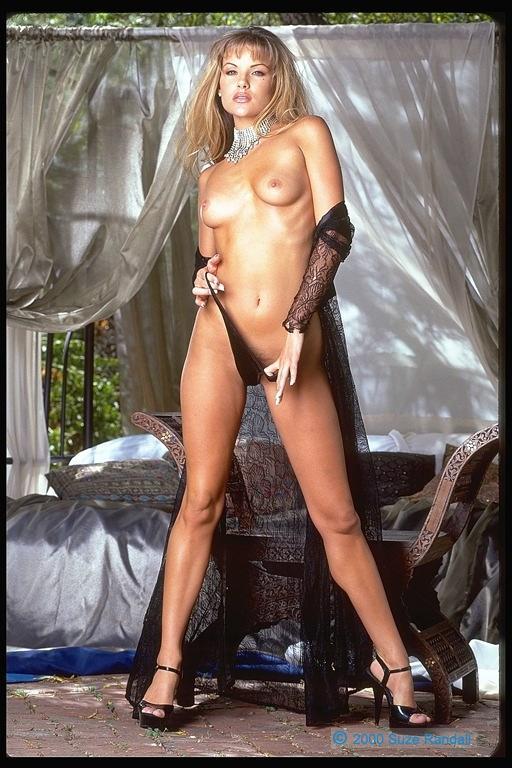 Смотреть красивый зарубежный секс свингеров в отличном качестве 23 фотография