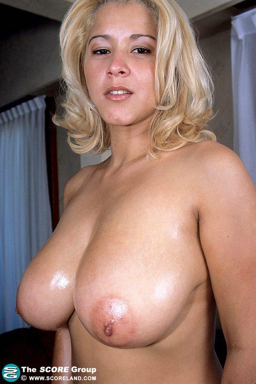 foto-oralniy-seks-znamenitostey-trahnut-devushku